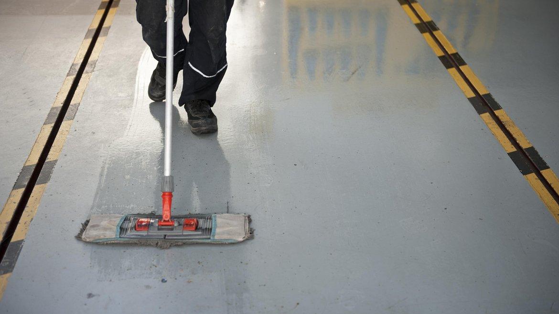 Stockfoto: Calvatis Technische Aufgaben der Reinigung - @ istock.com / baranozdemir