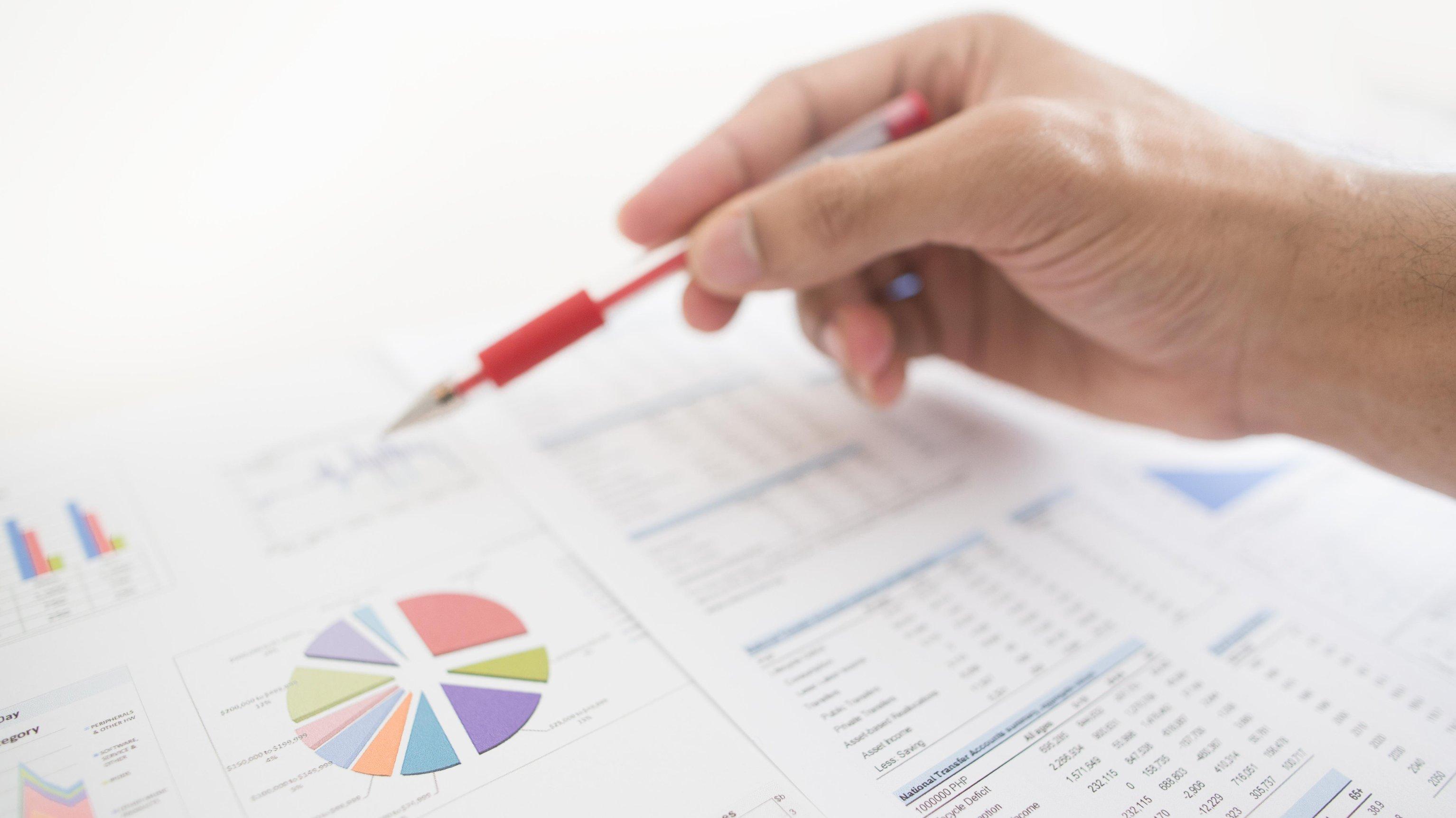 Stockfoto: Calvatis Messen, Steuern, Regeln - @ istock / woolzian
